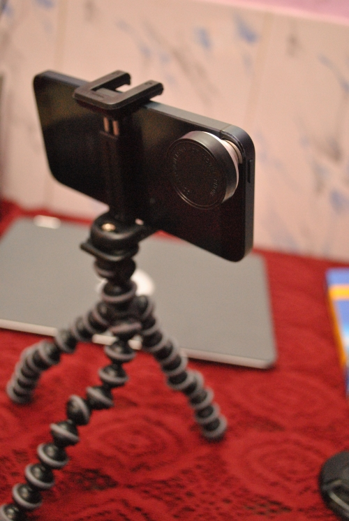 Handy for your group shots and self portraits :)